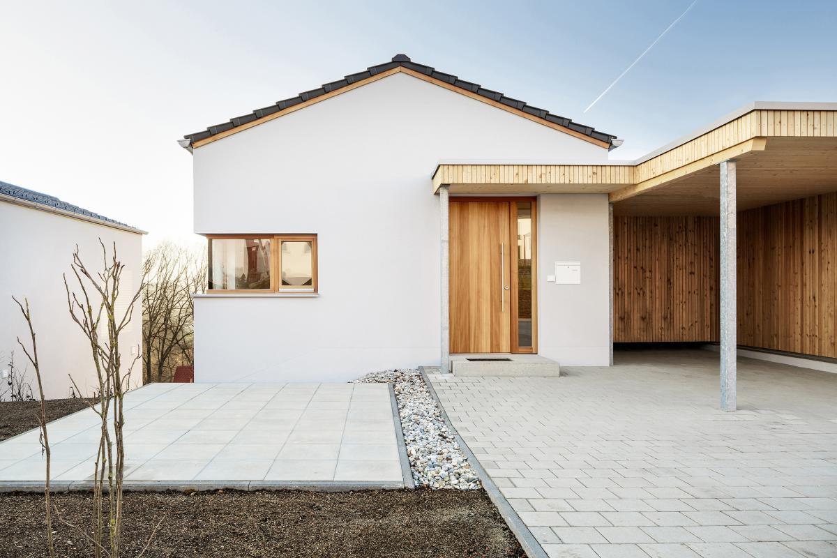 Ja, ein Bauträgerhaus. — 2